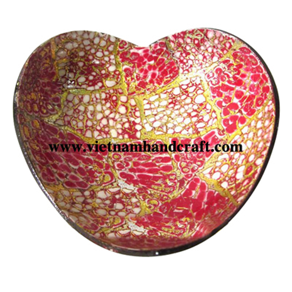 Heart-shaped lacquer coconut bowl. Inside inlaid with eggshell, outside in natural coconut shell