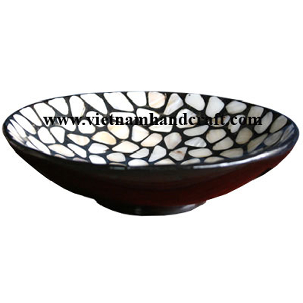 Black lacquer bowl with mother of pearl inlay