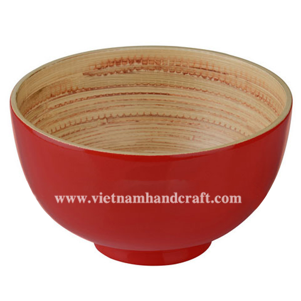 Lacquered bamboo rice bowl. Inside in natural bamboo, outside in solid red