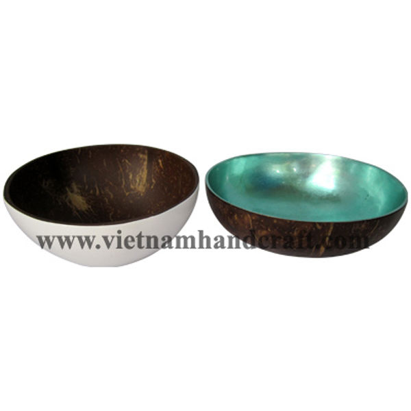 Lacquered coconut shell bowl