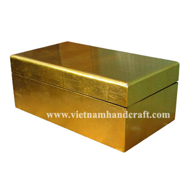 Wooden lacquerware cake box in gold silver