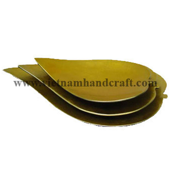 Lacquered plate in gold silver leaf for the inside, outside in black