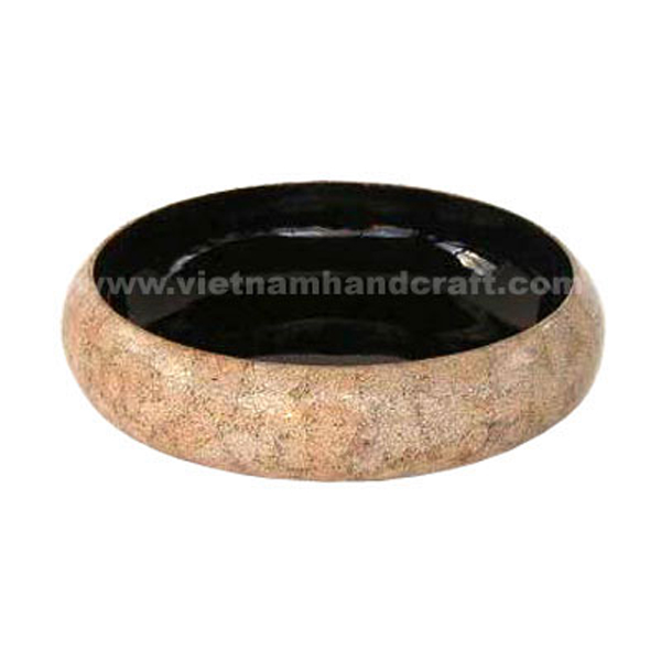 Black lacquered decor bowl inlaid with eggshell inlay outside