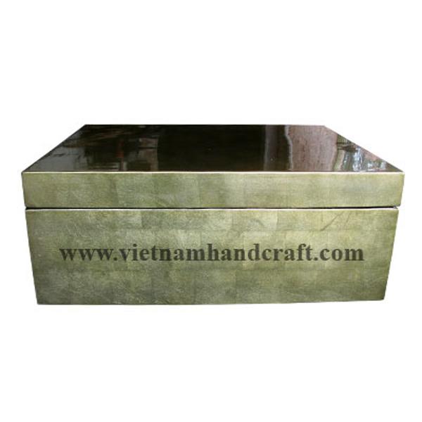 Lacquered wooden storage box in silver metallic bronze