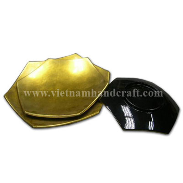 Set of three six-sided plates in black & gold silver