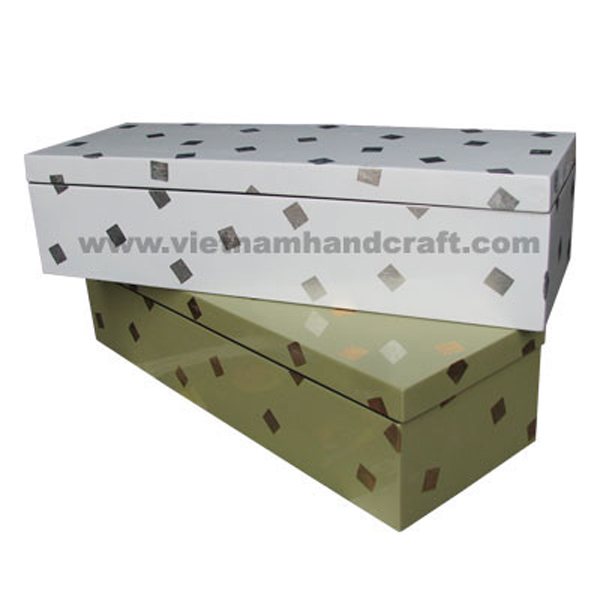 Set of 2 lacquered wood storage box with white silver leaf squares
