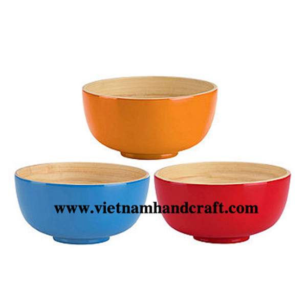Lacquered bamboo soup bowl. Inside in natural bamboo, outside in solid colors