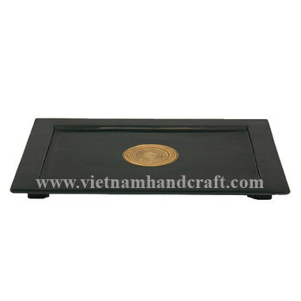 Black lacquered bamboo hotel towel tray with natural bamboo circle in centre