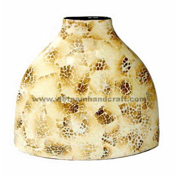 Lacquer ceramic vase inlaid with brown egg shell