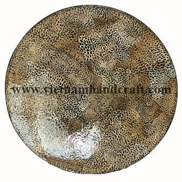 Lacquered decor plate with burnt eggshell inlay