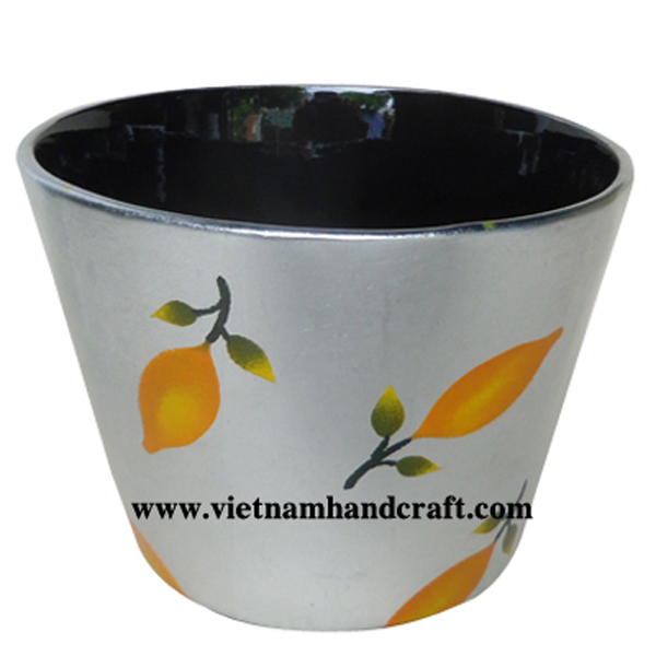 Lacquered decoration bowl. Inside in black, outside in silver leaf with hand painted lemon
