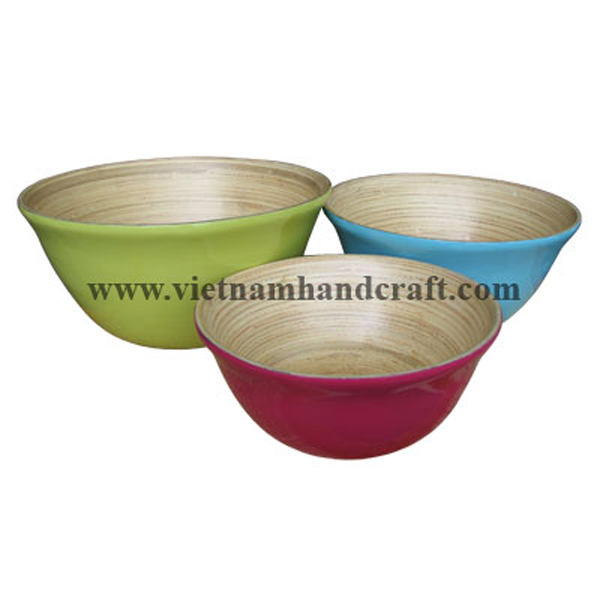 Bamboo lacquerware food bowls. Inside in natural bamboo, outside in various colors