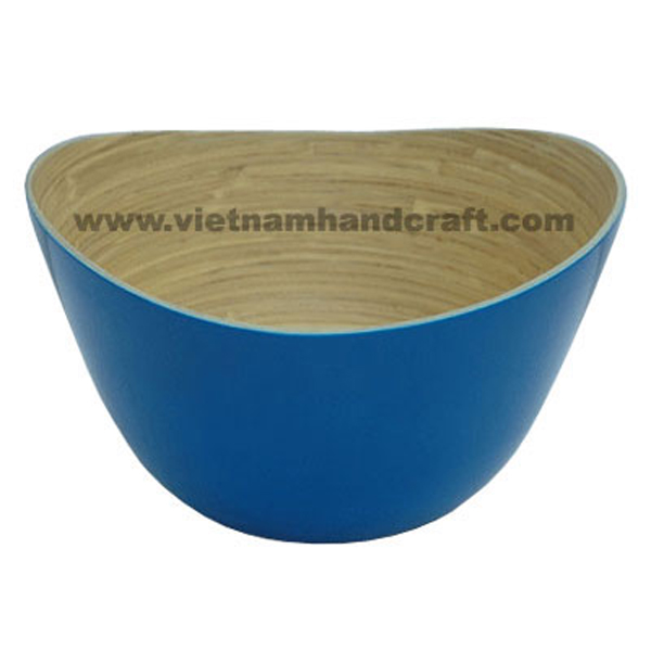 Lacquered bamboo bowl. Inside in natural bamboo, outside in solid blue