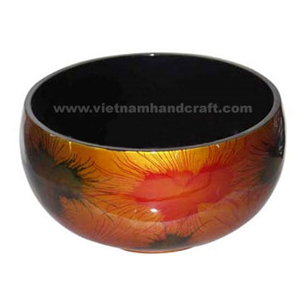 Lacquered decoration bowl. Inside in black, outside in gold leaf with hand-painted fireworks
