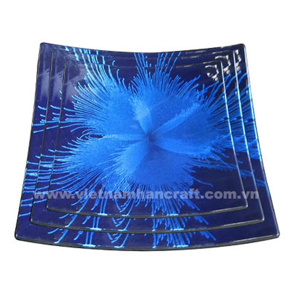 Black lacquered plate with hand-painted blue fireworks
