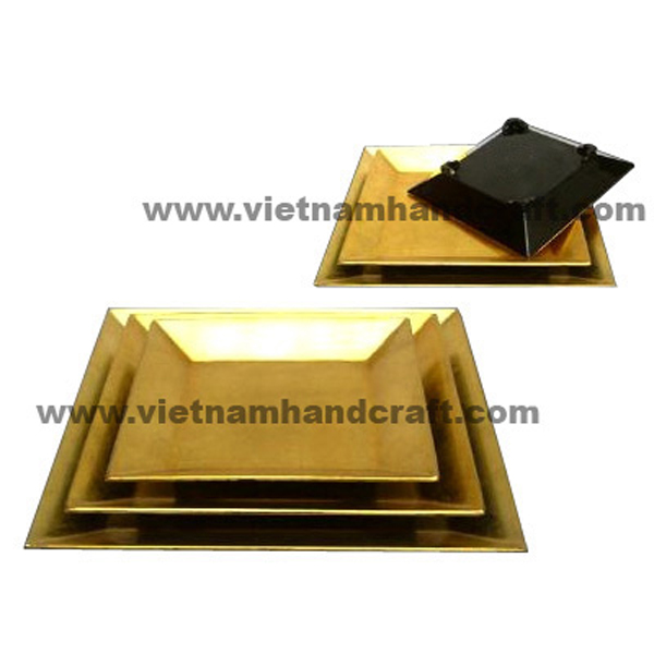 Lacquered wood dish in black & gold silver leaf