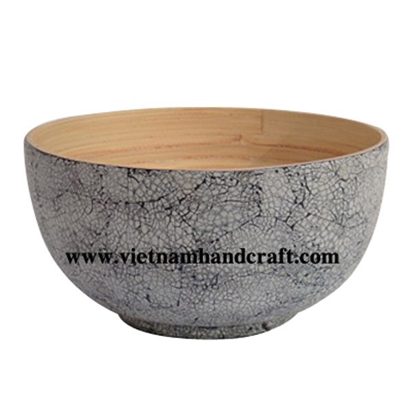 Lacquered bamboo decor bowl. Inside in natural bamboo, outside with white eggshell inlay