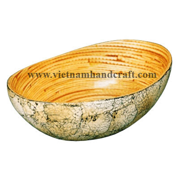 Bamboo lacquerware bowl. Inside in natural bamboo, outside inlaid with burnt eggshell