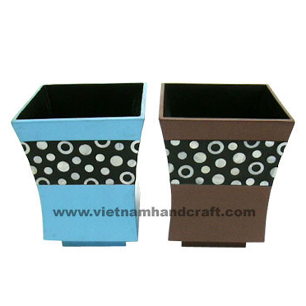 Lacquered flower pot inlaid with mother of pearl