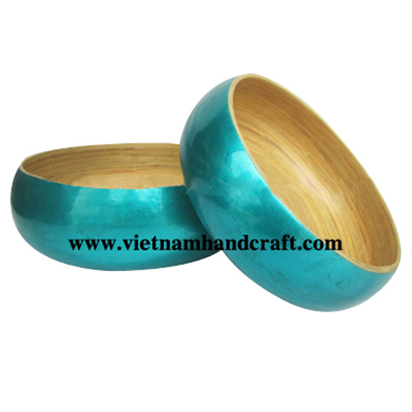 Lacquered bamboo decor bowl. Inside in natural bamboo, outside in silver metallic turquoise