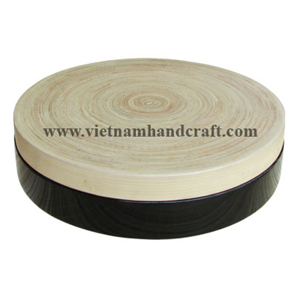 Lacquered bamboo food box. Inside body box in natural bamboo, outside in black, lid in natural bamboo all over