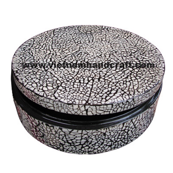 Black lacquer decoration box with white eggshell inlay