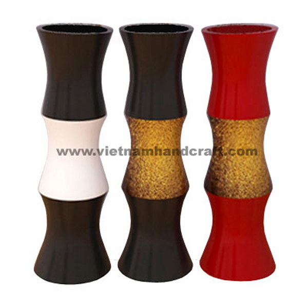 Set of 3 lacquered vases in 2 color tone