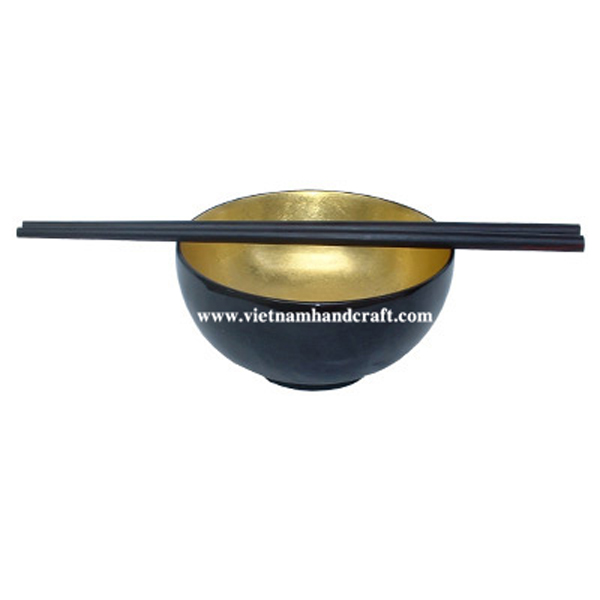 Lacquerware bowl. Inside in gold silver leaf, outside in black