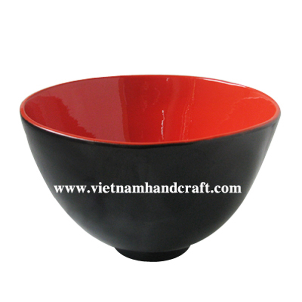 Lacquer wood bowl in black & red