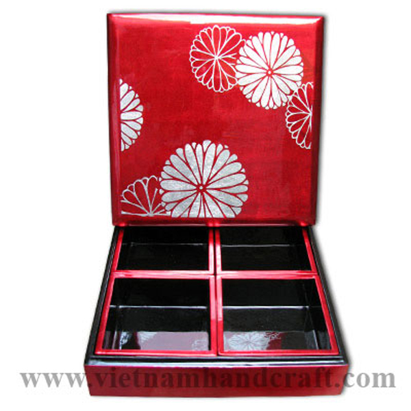 Lacquer snack box with 4 removable trays inside. Inside in black, outside in red silver with hand-painted white silver leaf motifs