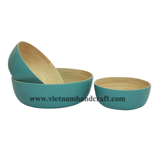 Set of 3 lacquer bamboo bowls. Inside in natural bamboo, outside in blue