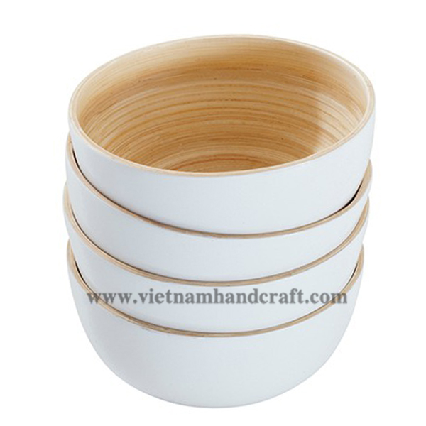 Lacquered bamboo nut bowl. Inside in natural bamboo, outside in solid white