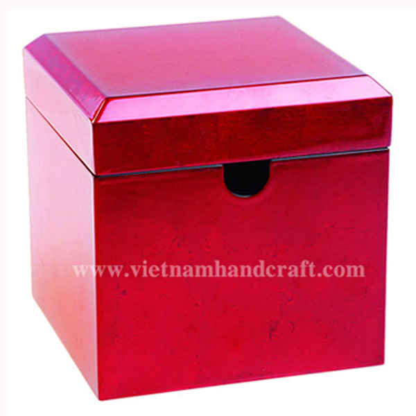 Lacquer wooden cake box in silver metallic red