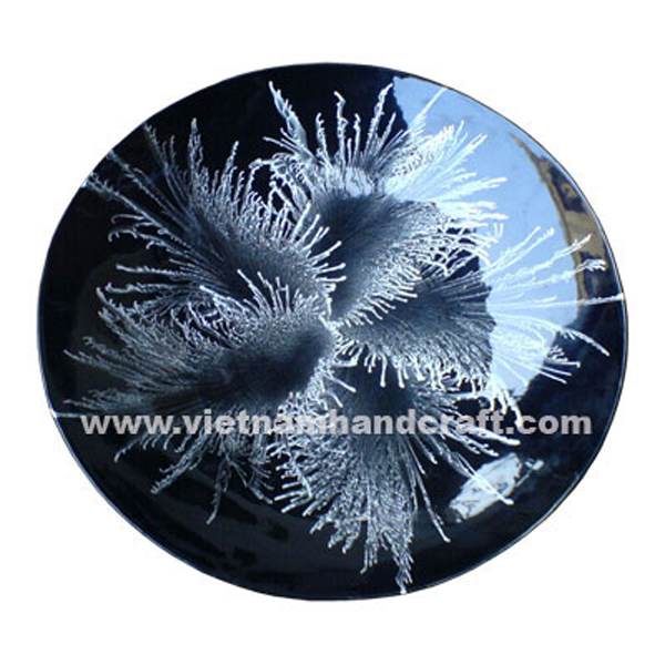 Black lacquered plate with silver fireworks