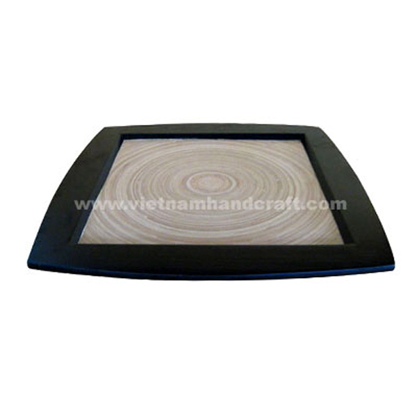 Lacquered bamboo serving plate in natural bamboo & black