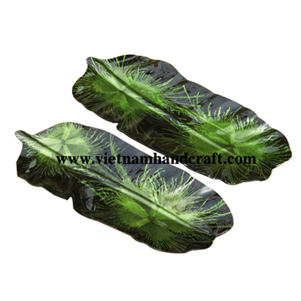 Banana-leaf shaped black lacquered serving plate with hand-painted green fireworks