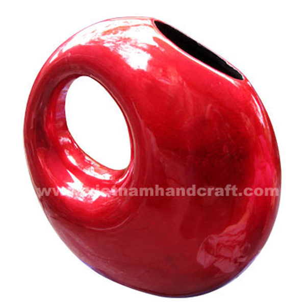 Earring-shaped lacquered ceramic vase in silver metallic red