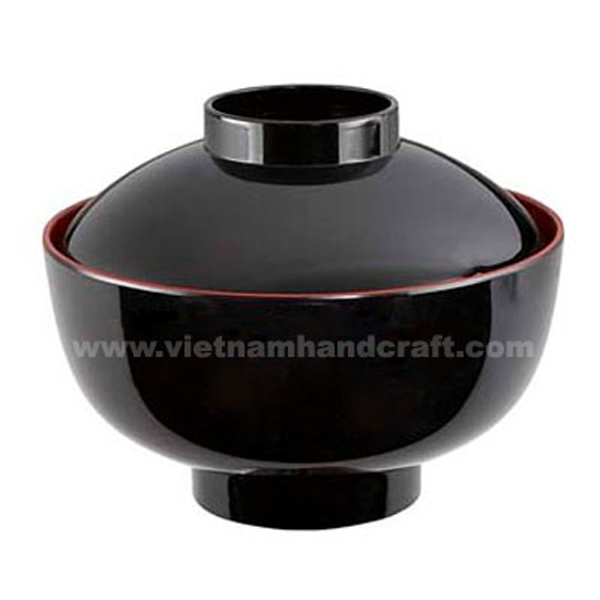 Lacquered wooden decor bowl with lid. Inside in red, outside in black