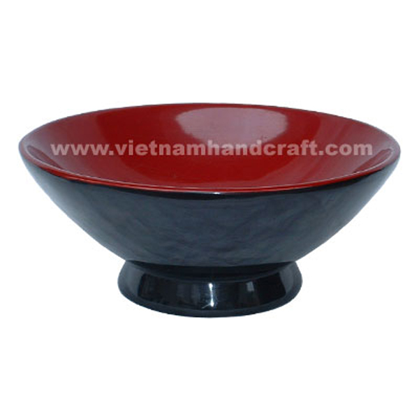 Lacquered wood fruit bowl