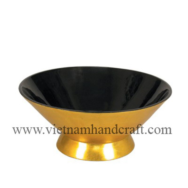 Lacquered decoration bowl. Inside in black, outside in gold silver leaf