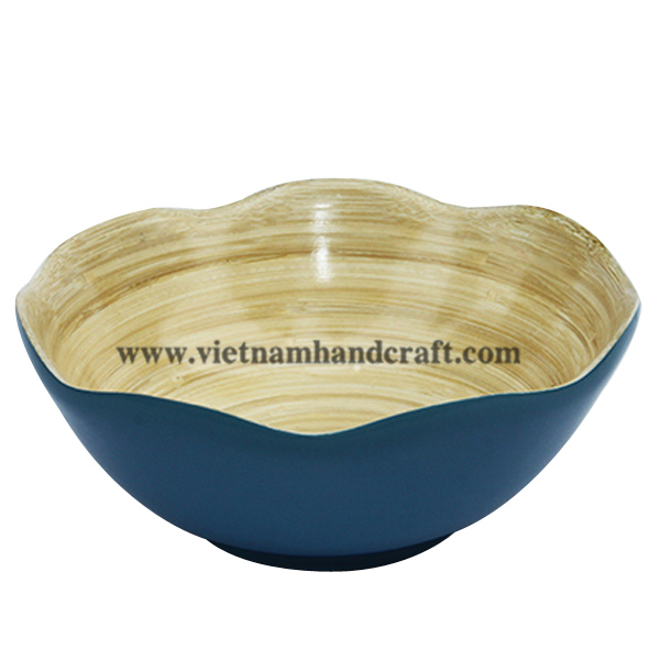 Lacquered bamboo decorative bowl. Inside in natural bamboo, outside in blue