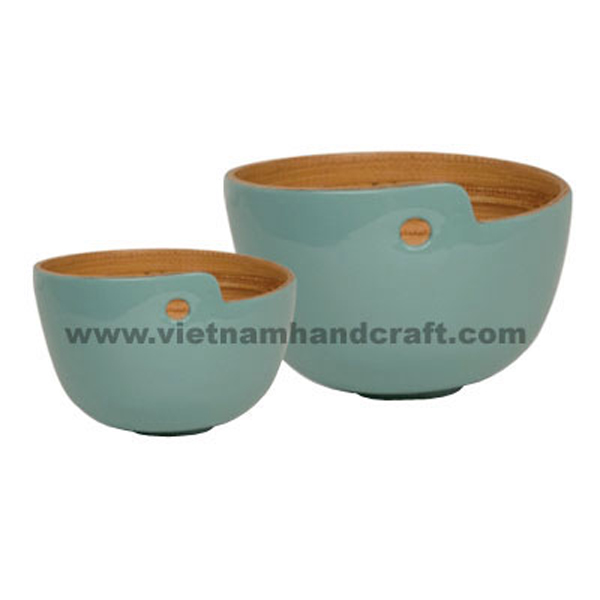 Lacquered bamboo serving bowl. Inside in natural bamboo, outside in light blue