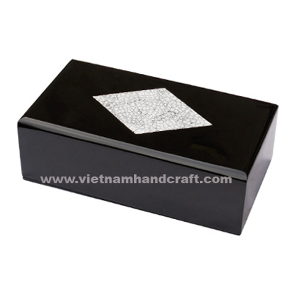 Black lacquered wood amenity box box with eggshell inlay