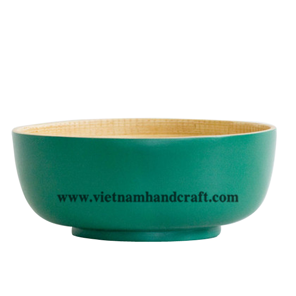 Lacquered bamboo decor bowl. Inside in natural bamboo, outside in green