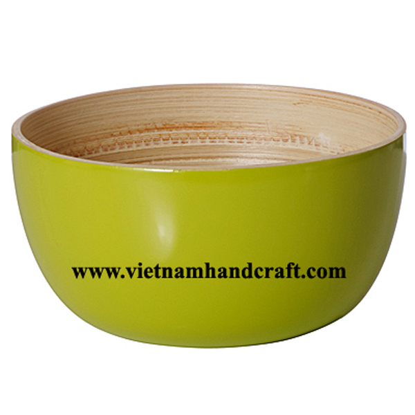 Lacquer bamboo serving bowl. Inside in natural bamboo, outside in green