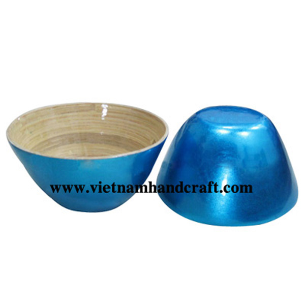 Lacquer bamboo bowl. Inside in natural bamboo, outside in silver metallic blue
