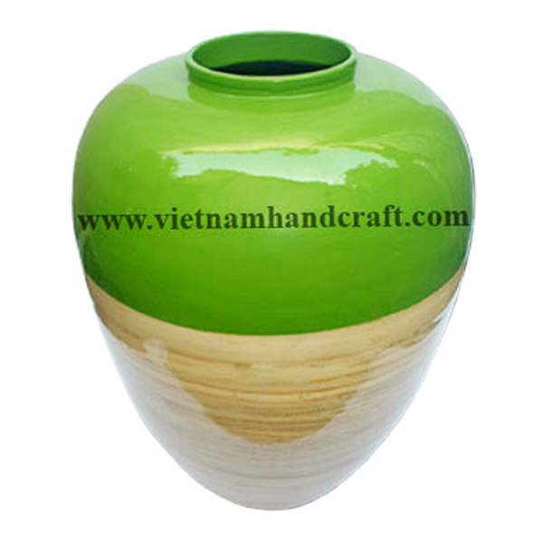 Lacquered bamboo decor vase in solid green & natural bamboo