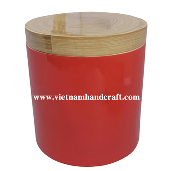 Lacquered bamboo tea canister with natural bamboo lid
