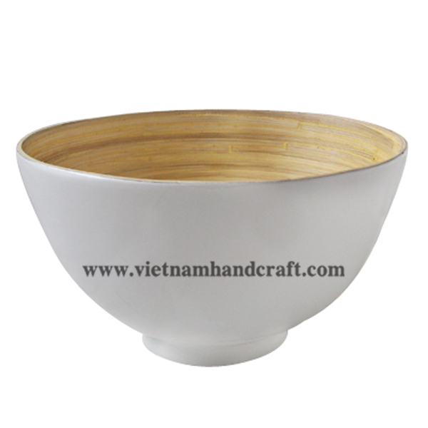 Lacquered bamboo serving bowl. Inside in natural bamboo, outside in solid white
