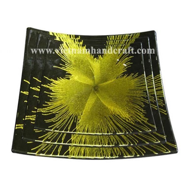 Set of three lacquer plates with hand-painted yellow fireworks